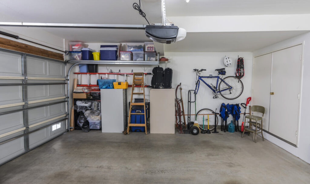 How_To_Cool_a_Garage_With_No_Windows